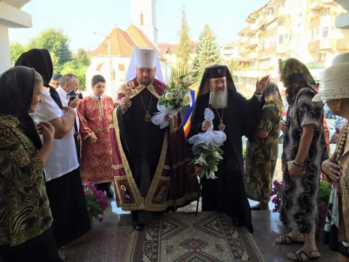 Locuitorii din Beclean, binecuvântați de Mitropolitul Alexandru al Kievului