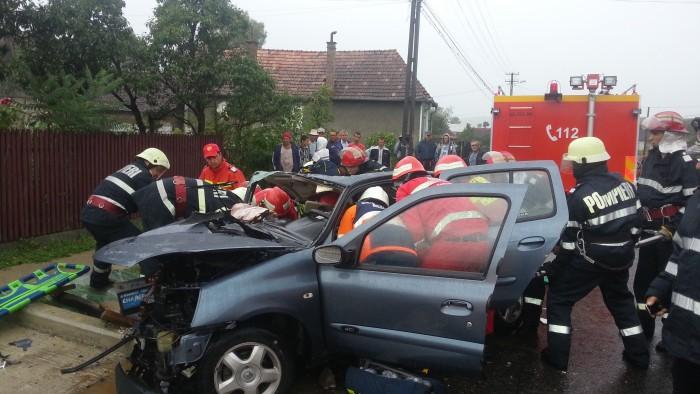 ACCIDENT MORTAL la Herina! Un tânăr a murit, iar un bărbat a fost rănit grav – FOTO