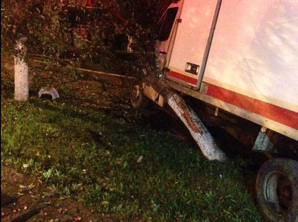 ACCIDENT pe Kogălniceanu, soldat cu pagube uriașe! – GALERIE FOTO