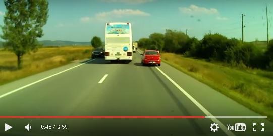Depășire INCREDIBILĂ la ieșire din Beclean! Manevra care i-a șocat pe mulți șoferi – VIDEO