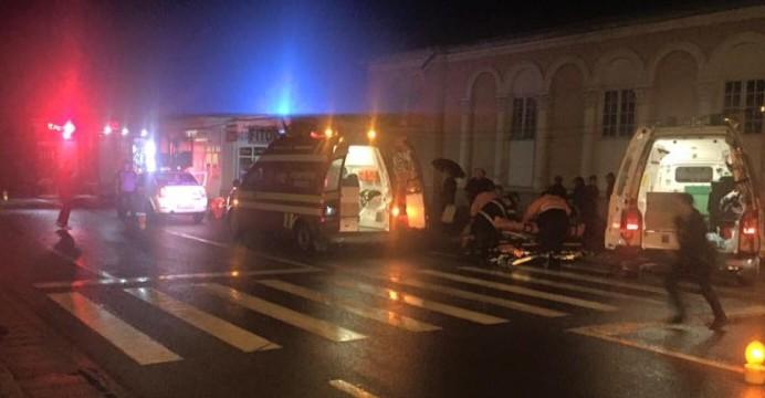 Două femei, lovite de o mașină pe o trecere de pietoni din Beclean! – GALERIE FOTO