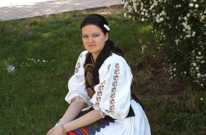 Sânge pentru beclenara Florina Ciuruș! Interpreta trece prin clipe grele, la doar o lună după ce s-a căsătorit!