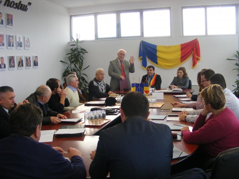 Scriitorul Cornel Cotuțiu, premiat de Primăria Beclean, chiar de ziua lui! – GALERIE FOTO