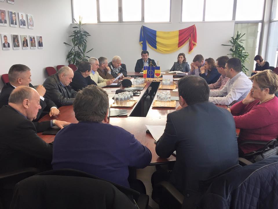 Noii aleşi locali din Beclean, convocaţi la şedinţa de constituire a consiliului