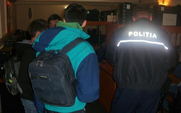 Câți elevi din Beclean au fost prinși joi de polițiști și jandarmi în baruri, în loc să fie la școală