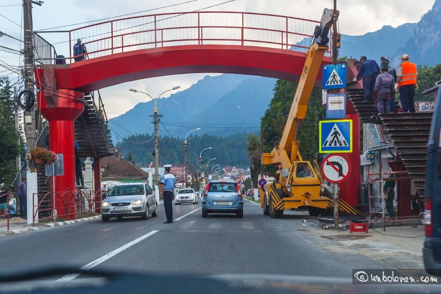 Soluția decongestionării traficului din Beclean: pasarelele pietonale! Când vor fi puse în practică