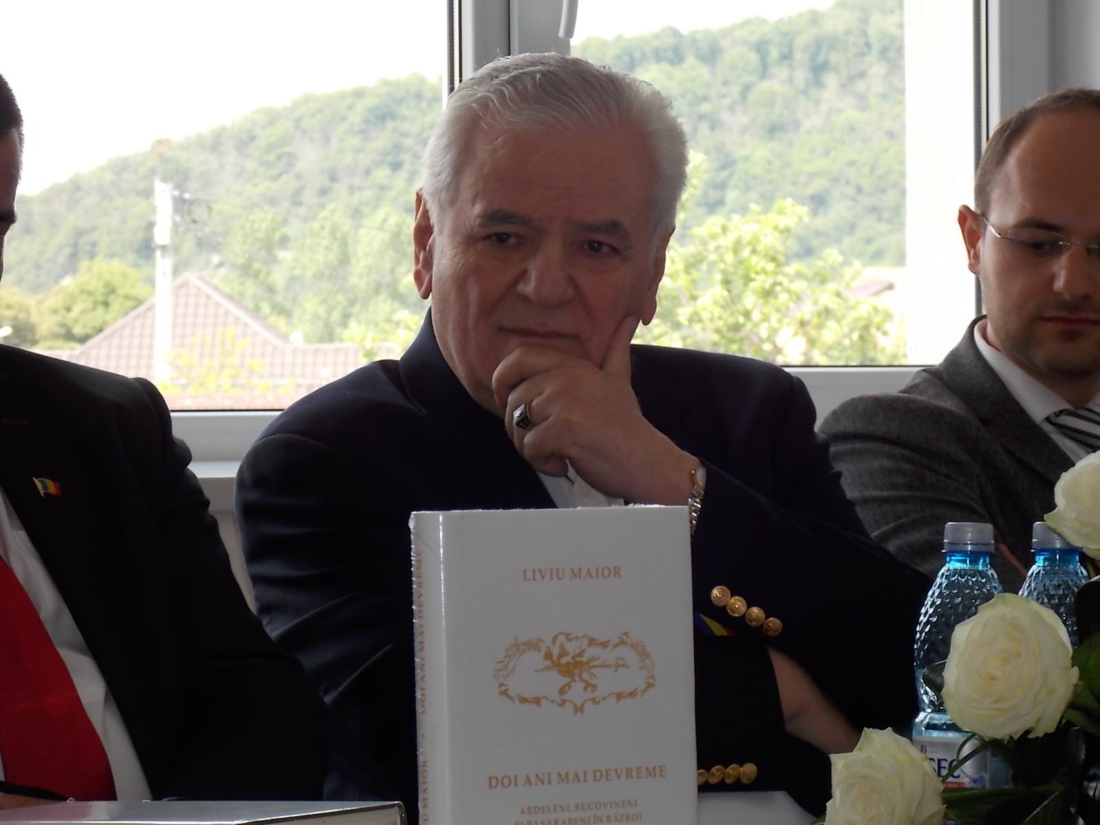 """Liviu Maior, la lansarea celui mai recent volum, la Beclean: """"Sunt mândru că sunt get-beget beclenar"""" – FOTO"""