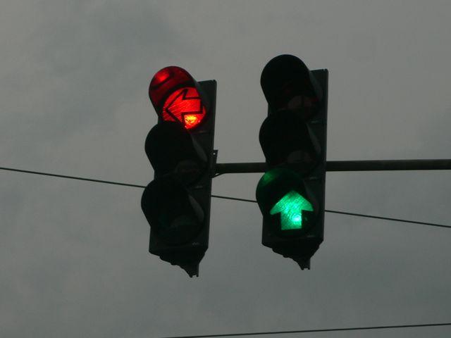 Planuri concrete pentru decongestionarea traficului la Beclean. Unde vor fi montate primele semafoare
