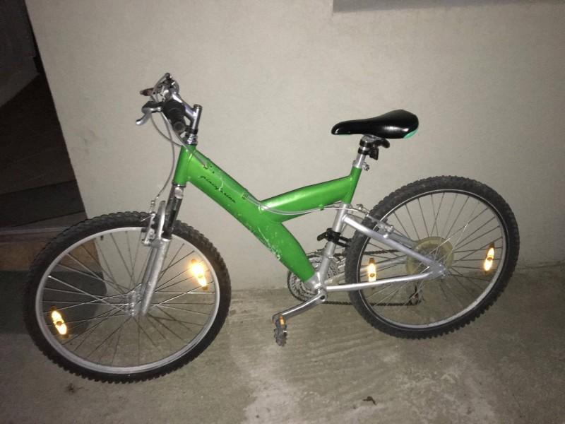 O bicicletă furată a fost oferită spre vânzare unui jandarm beclenar! De frică, hoțul s-a aruncat în Someș