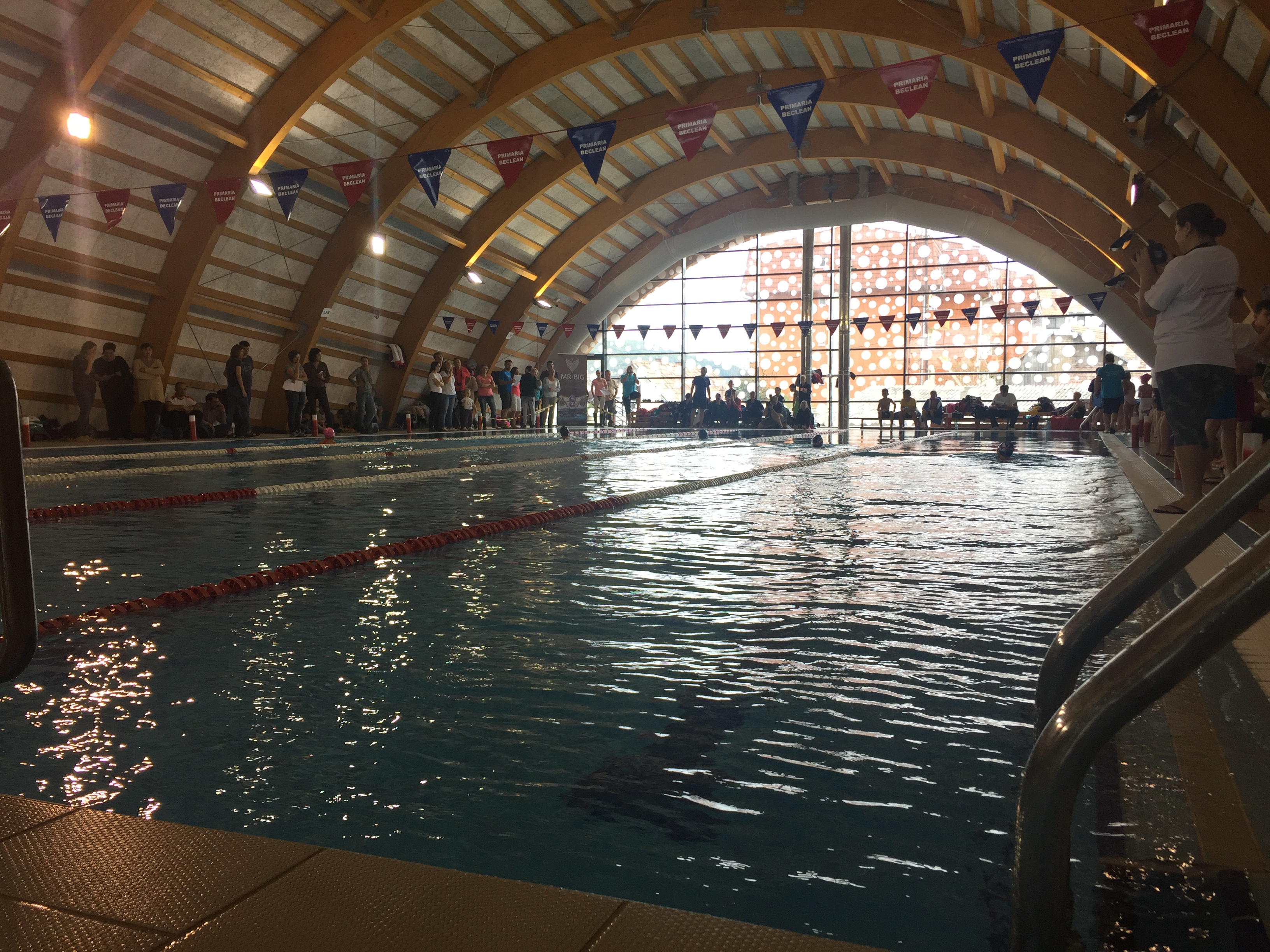 Concurs de natație la Beclean! Cine participă la prima ediție a competiției Cupa Someș – FOTO