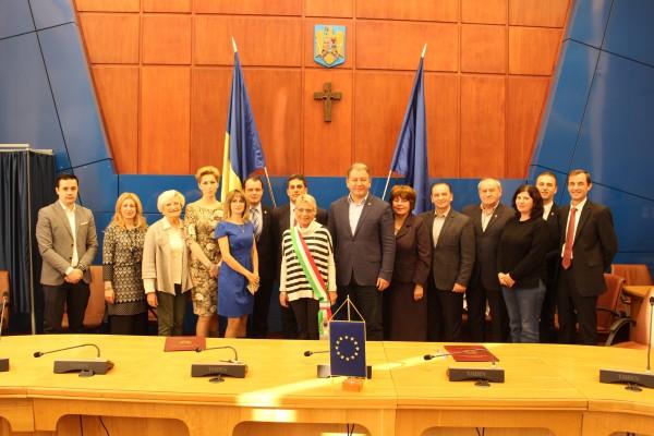 Județul Bistrița-Năsăud va coopera în mod oficial cu orașul italian Rivoli. Iată toate avantajele