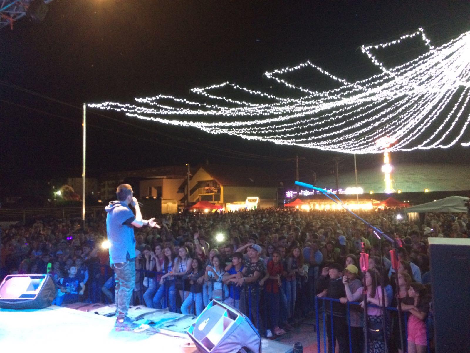 Zilele Becleanului 2017. Cum s-a desfășurat prima zi de concerte și care a fost artistul aplaudat la scenă deschisă – FOTO