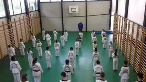 Se fac înscrieri la Taekwondo, în Beclean. Cine este antrenorul și ce rezultate au obținut deja cei mai buni practicanți – FOTO