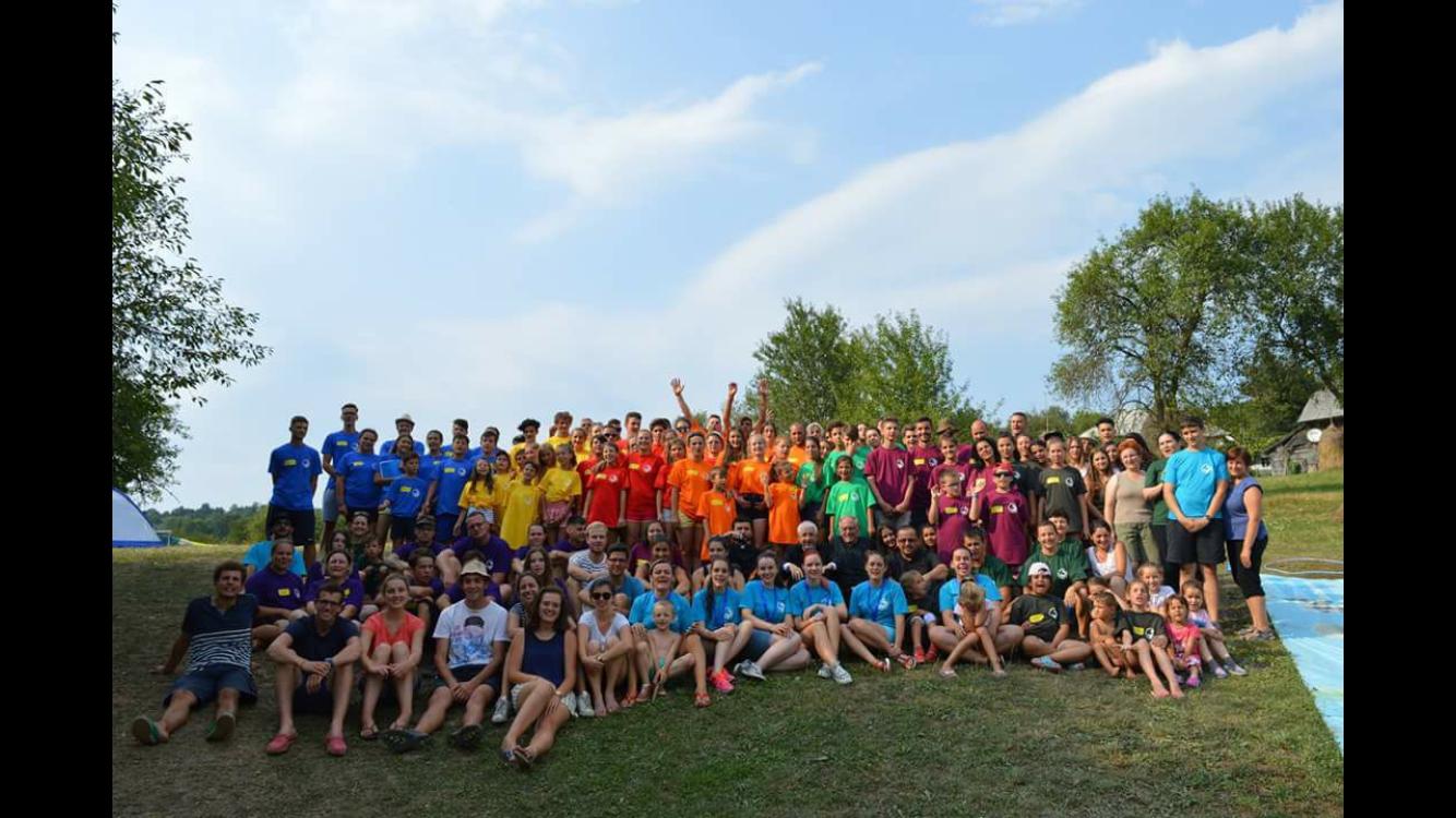 Cea mai așteptată tabără de vară s-a încheiat. Iată cum și-au petrecut sfârșitul de săptămână la Vima Mică aproape 150 de tineri
