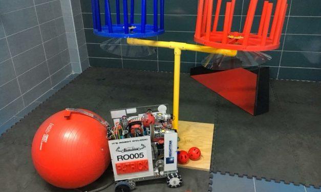 """Începe construcția celui de-al doilea robot din istoria Colegiului Național """"Petru Rareș"""" Beclean. Cum se va numi noul robot și la ce competiție va participa"""