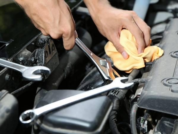 Ofertă de muncă la Beclean! Se angajează de urgență mecanic auto, cu sau fără experiență