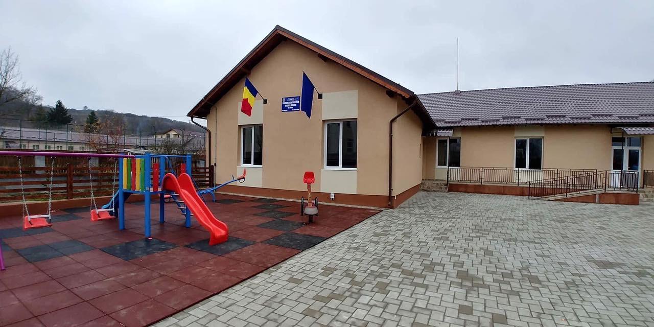 Vicepremierul României, în vizită la Căianu Mic, Căianu Mare și Dobric pentru inaugurarea a trei grădinițe noi – FOTO