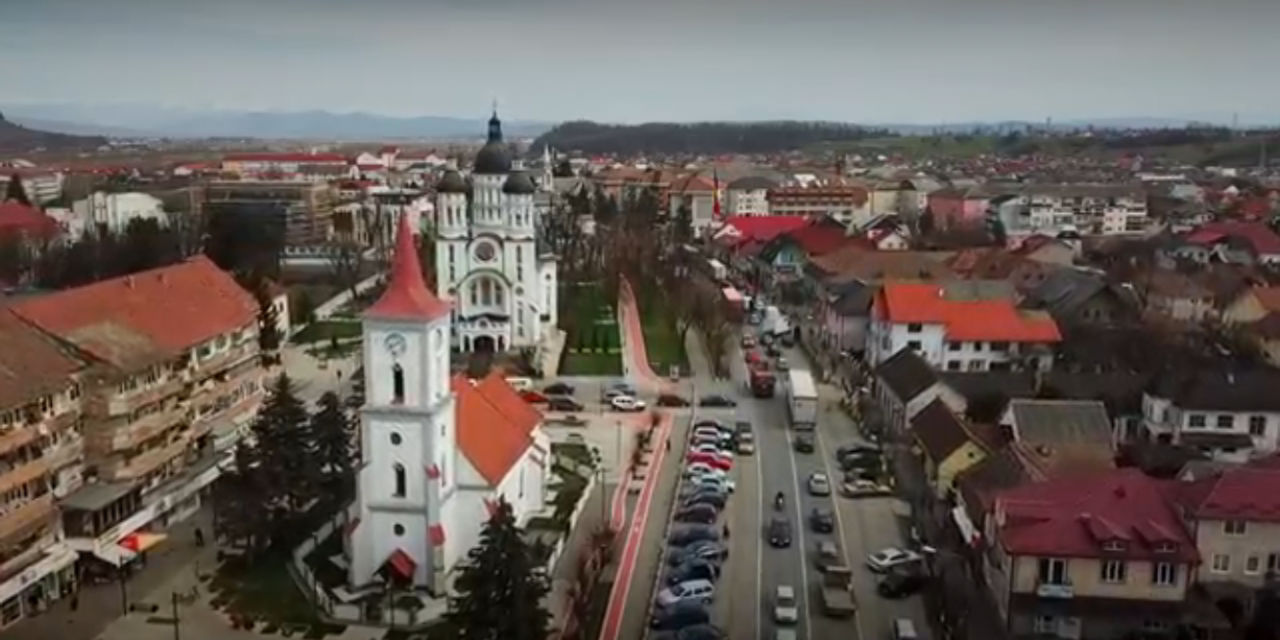 Imagini impresionante cu orașul Beclean văzut de sus, într-o filmare cu dedicație pentru beclenari – FOTO&VIDEO