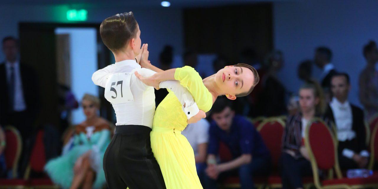 Mara Lechințan și Bogdan Pop au reușit să obțină două medalii de aur, una de argint și alta de bronz la Competiția Internațională de Dans Sportiv din Cipru – FOTO