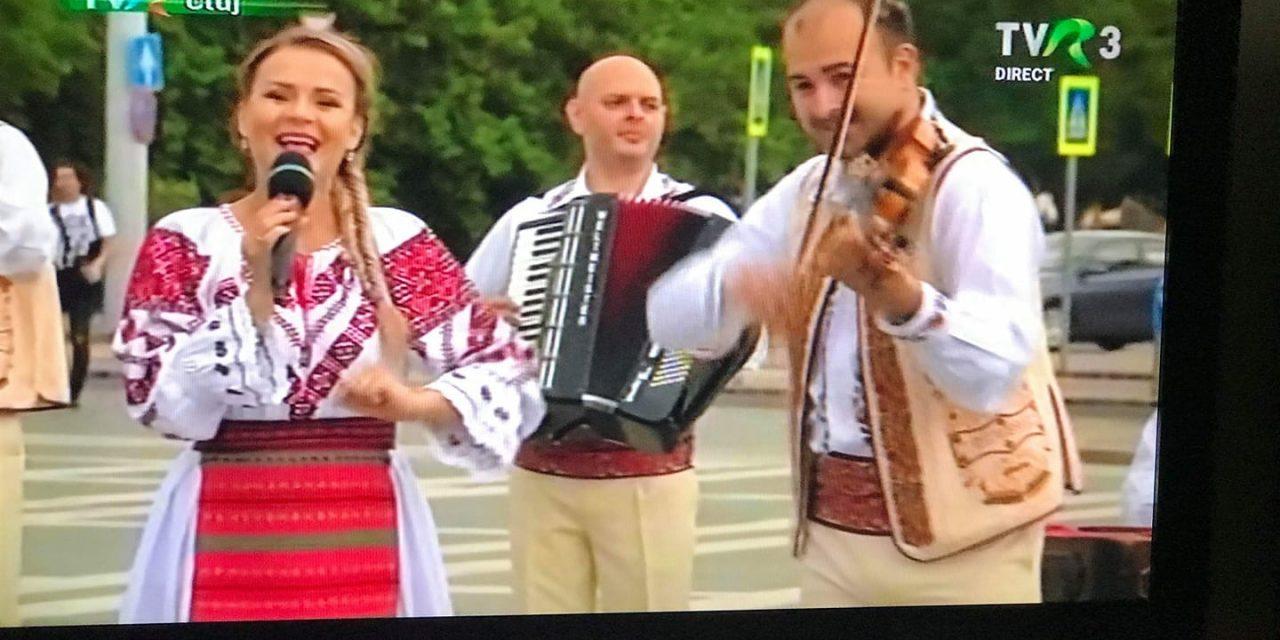Cristina Retegan poate fi urmărită cântând vineri seara în direct la TVR3, într-o emisiune transmisă din Ungaria