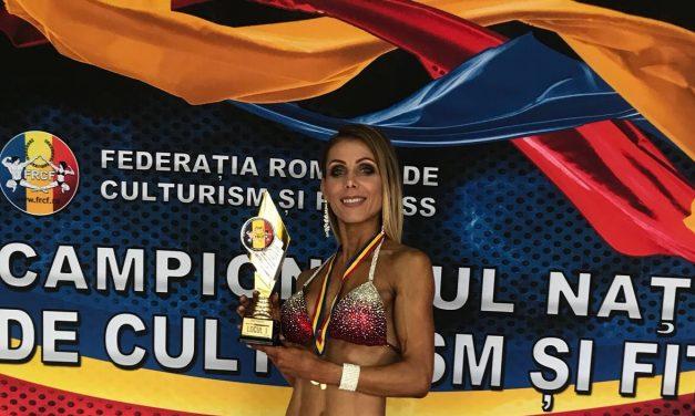 Încă o dată aur! Alexandra Anamaria Săsărman a câștigat medalia de aur la Cupa Federației Române de Culturism și Fitness – FOTO
