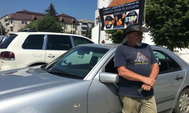 """Semnal de alarmă pentru șoferi, în centrul Becleanului: """"Nu vă urcați băuți la volan!"""""""