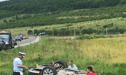 Accident grav la ieșire din Șintereag în intersecția cu Blăjeni. Mai multe persoane printre care și o fetiță au ajuns la spital