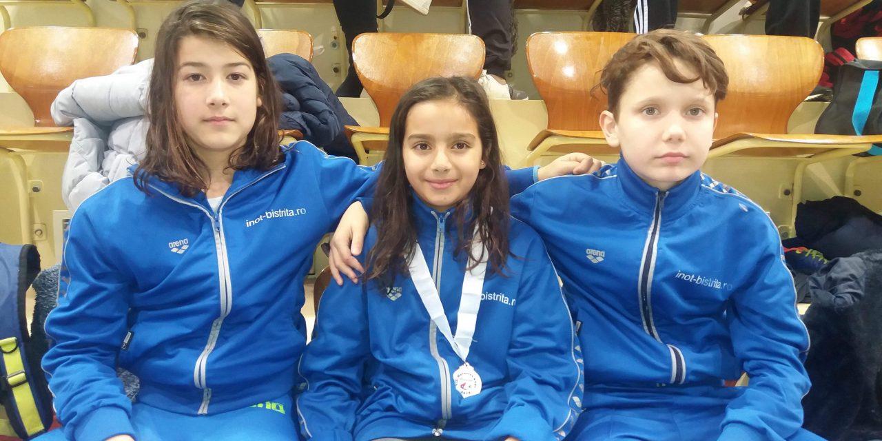 Beclenara Lorena Otvoș a obținut rezultate excelente în Ungaria la concursul de înot