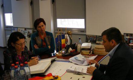 Ministrul Educației, Ecaterina Andronescu, în vizită de lucru la Beclean. Iată unde a fost prima dată