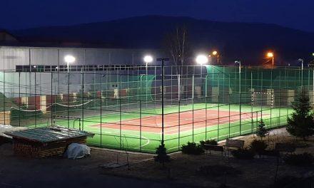 """Școala Gimnazială """"Grigore Silași"""" închiriază terenul sintetic din curtea școlii. Iată care este tariful"""
