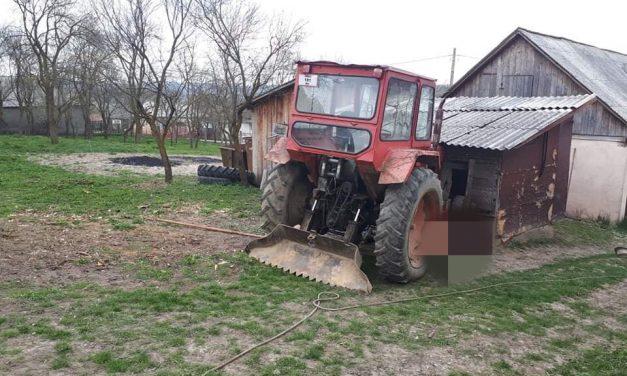 Accident tragic la Hășmașu Ciceului! Un pensionar de 80 de ani și-a  pierdut viața, strivit de un tractor – FOTO