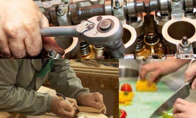 AJOFM Beclean organizează cursuri de bucătar, mecanic auto sau tâmplar-dulgher-parchetar. Iată ce acte trebuie depuse la înscriere