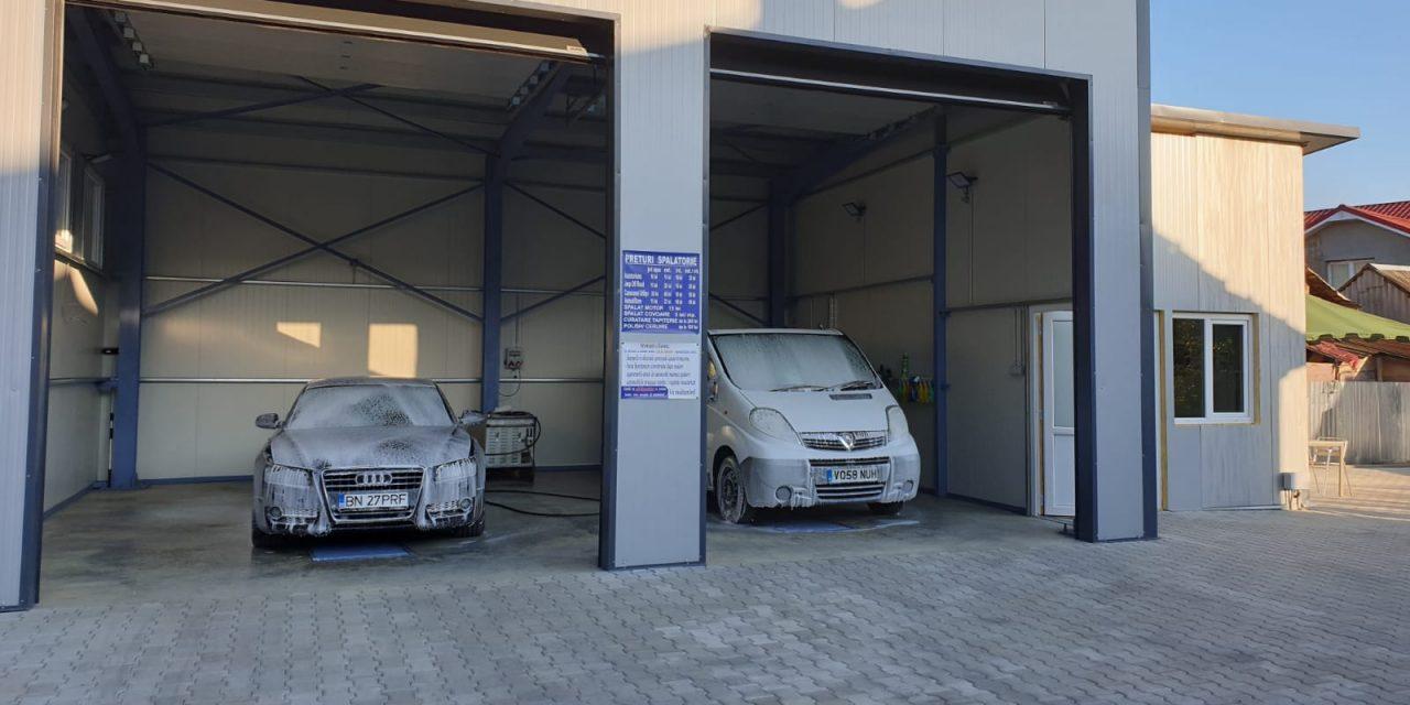 """S-a deschis cea mai nouă spălătorie auto din Beclean: """"La Patrick"""". Primii clienți vor fi întâmpinați cu o surpriză din partea casei – FOTO"""
