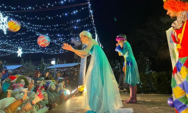 Zi de poveste la Căianu Mic! Sute de copii s-au bucurat împreună de un spectacol organizat în cinstea lor cu ocazia Sărbătorilor de iarnă – FOTO