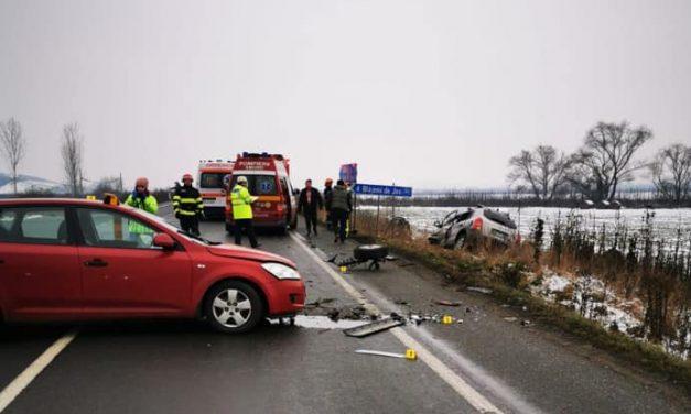 Accident rutier la intersecția cu Blăjeni. Trei persoane au ajuns la spital – FOTO
