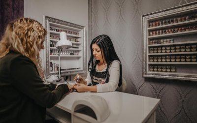 Nou la Beclean! Salonul Cataleya Nails vă așteaptă cu servicii complete de manichiură stilizată