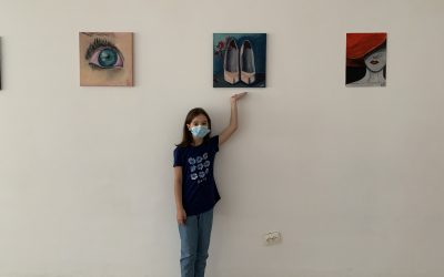 """Cum și-a descoperit o elevă de doar 10 ani talentul la pictură, în plină stare de urgență. Andra Măierean: """"Sunt fericită când văd cum ies tablourile la final"""""""